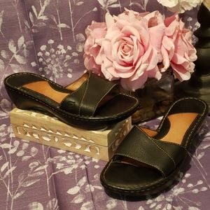 BORN BLACK PEBBLE LEATHER SLIP ON SANDALS